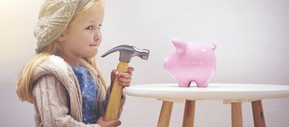 child_hammer_piggy_bank_000070437303